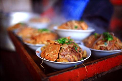 中烹协发布上半年餐饮业复工复业报告:大部分餐企经营已恢复70%-80%